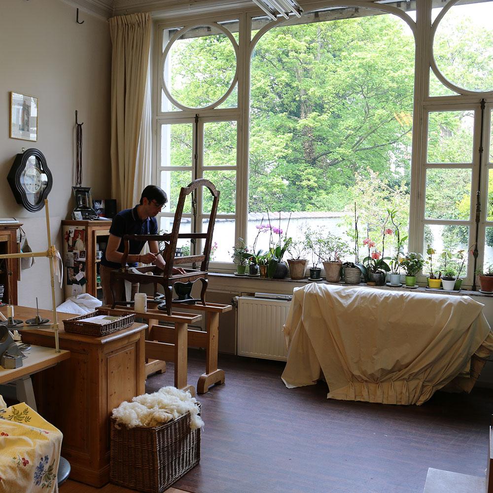 maison brazet atelier tapissier paris et atelier tapissier bruxelles. Black Bedroom Furniture Sets. Home Design Ideas